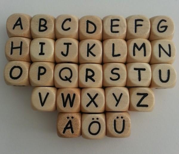 Buchstabenwürfel (10 mm), A-Z geprägt